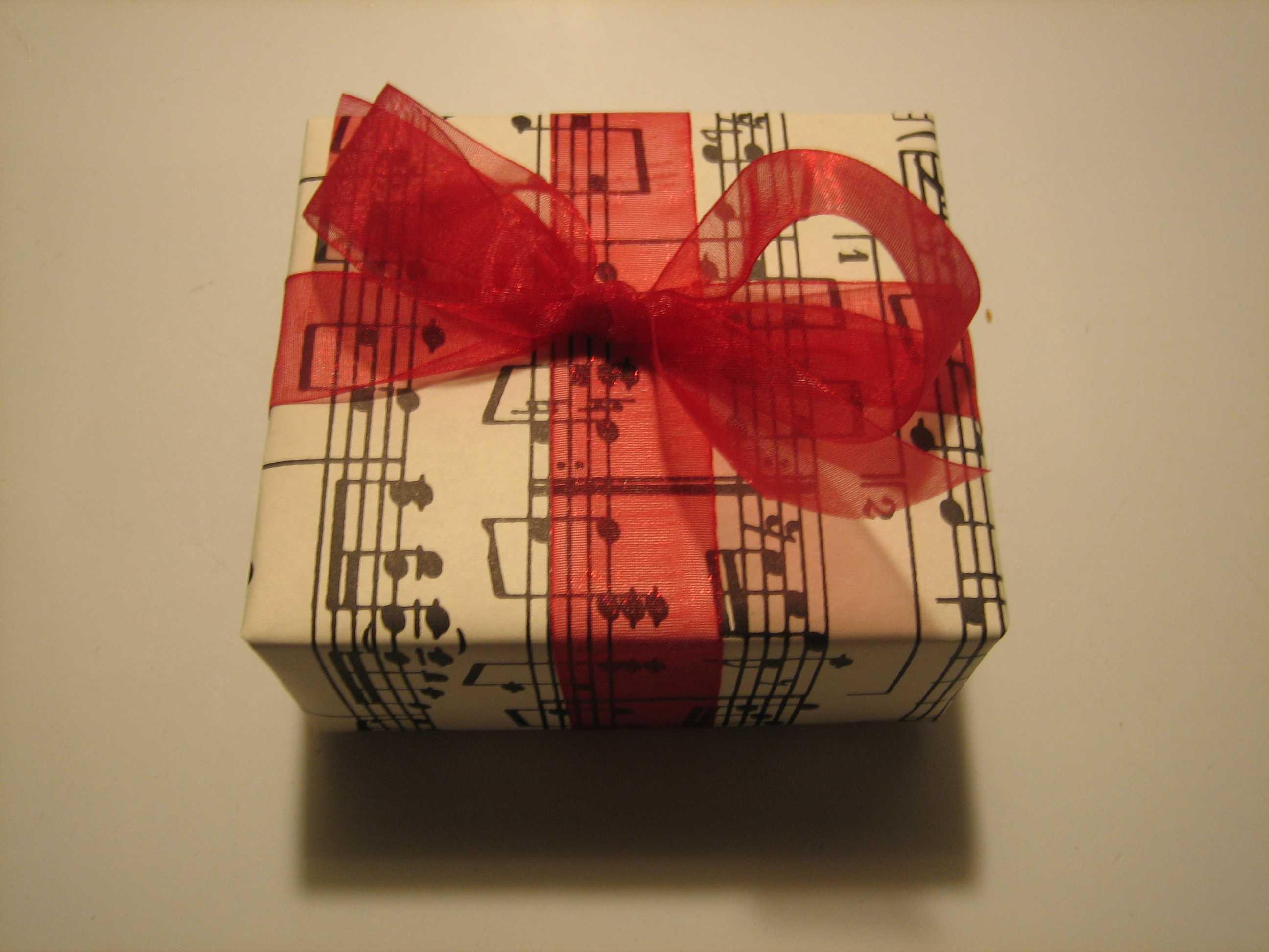 Оригинальный музыкальный подарок на день рождения