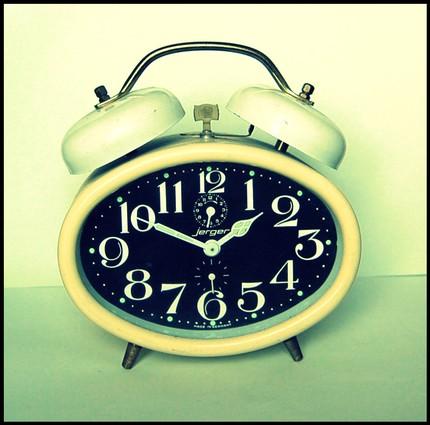 [alarm clock]. Retrieved April,4th,2014. From: http://www.becomingwhitney.com/fridays-favorite-five-3/