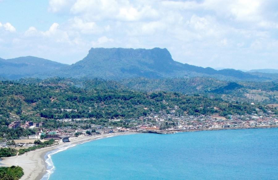 [Cuba] Photo via Wikipoedia under the Creative Commons license http://en.wikipedia.org/wiki/El_Yunque_(Cuba)