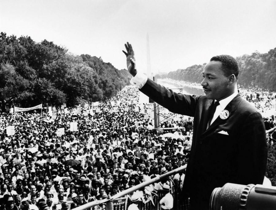 Martin Luther King Jr. at Selma.   Photo via Wikimedia Commons under the Creative Commons license http://www.marines.m il/unit/mcasiwakuni/P ublishingImages/2010 /01/KingPhoto.jpg
