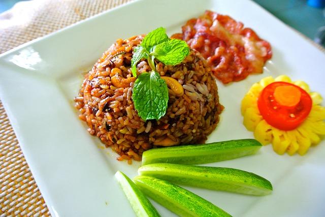 [Food] Photo via (pixabay.com) under the Creative Commons license. [http://pixabay.com/en/fried-rice-rice-thai-food-food-263882/]