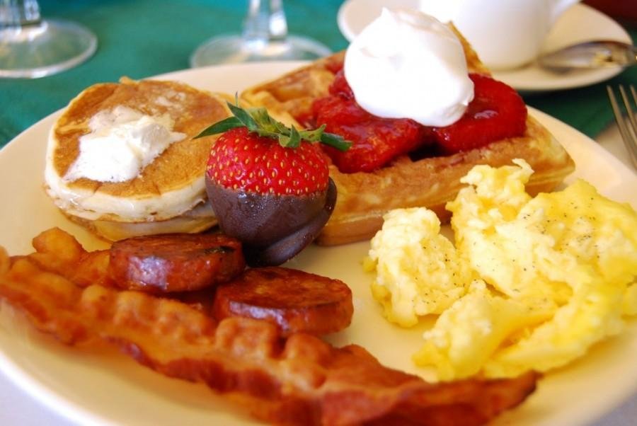 Breakfast is just one type of the many restaurants available in the Colorado Springs area. Photo via Wikimedia Commons under the Creative Commons license [http://en.wikipedia.or g/wiki/Wikipedia:Wiki Project_Breakfast/Art icle_collaboration#/m edia/File:Breakfast!.jp g]