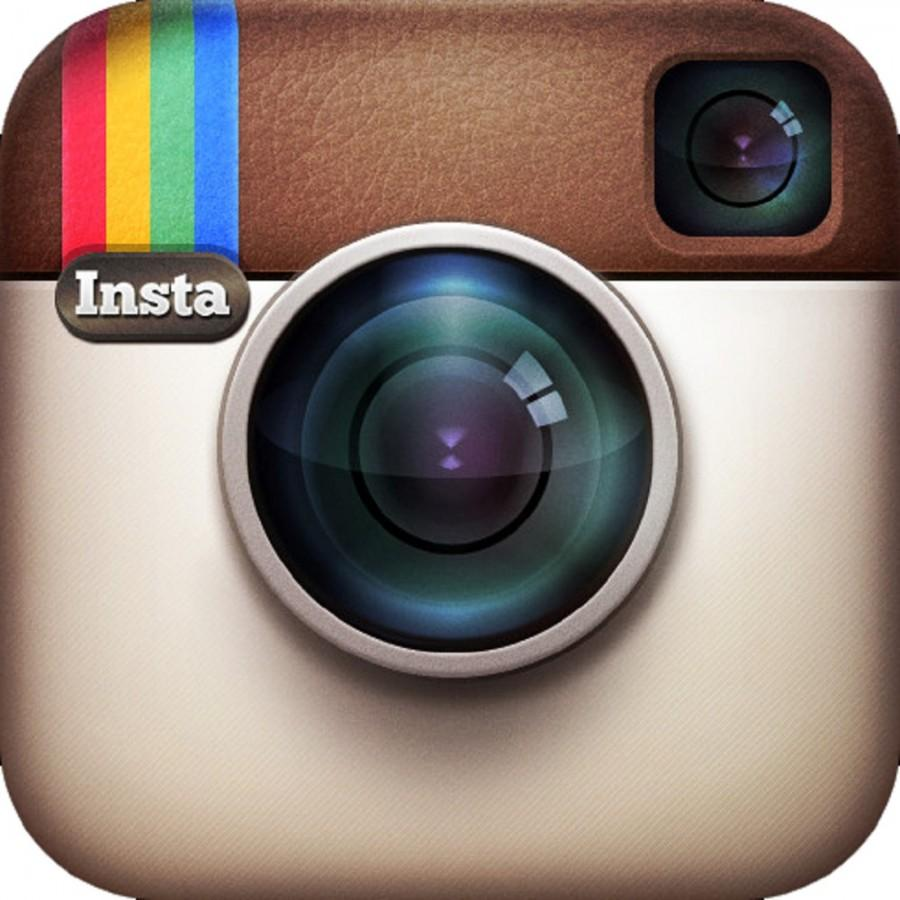 Is Instagram, one of the many social media sites in existence, good or bad? Photo via flickr.com under the Creative Commons license. https://www.flickr.com/photos/jamoutinho/7448717958