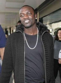 Photo used via Wikimedia Commons under the Creative Commons License. [https://upload.wikimedia.org/wikipedia/commons/1/18/Akon_arrives_in_Mumbai_for_Ra.One_recording.jpg]