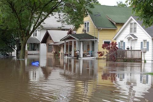 Flooding in Cedar Rapids.  Photo via flickr.com under the Creative Commons license. https://www.flickr.com/photos/usgeologicalsurvey/2593478529