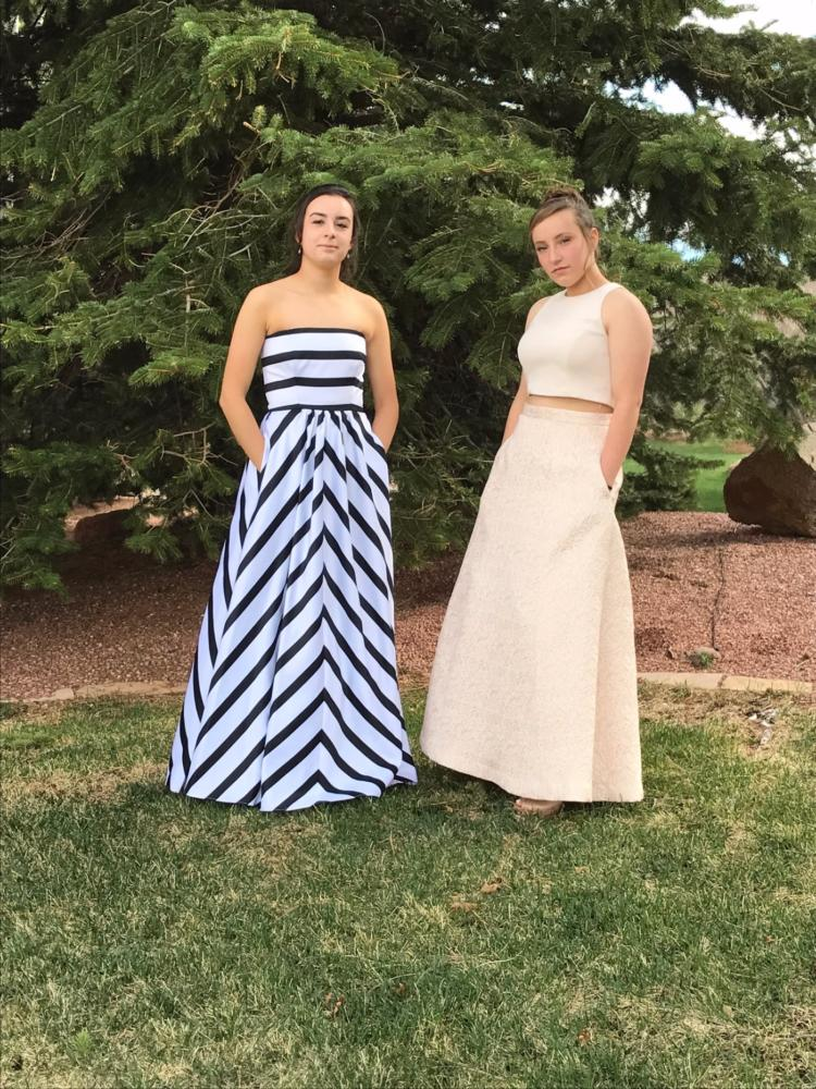 Lauren Berg and Taylor Hoff Pose for Prom Pics