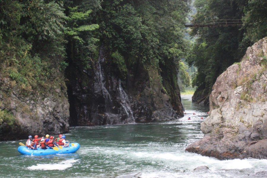 Students+go+whitewater+rafting+in+Pacuare%2C+Costa+Rica%2C+in+2015.+