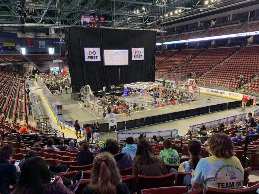 662 robotics students spectate an exhilarating match.