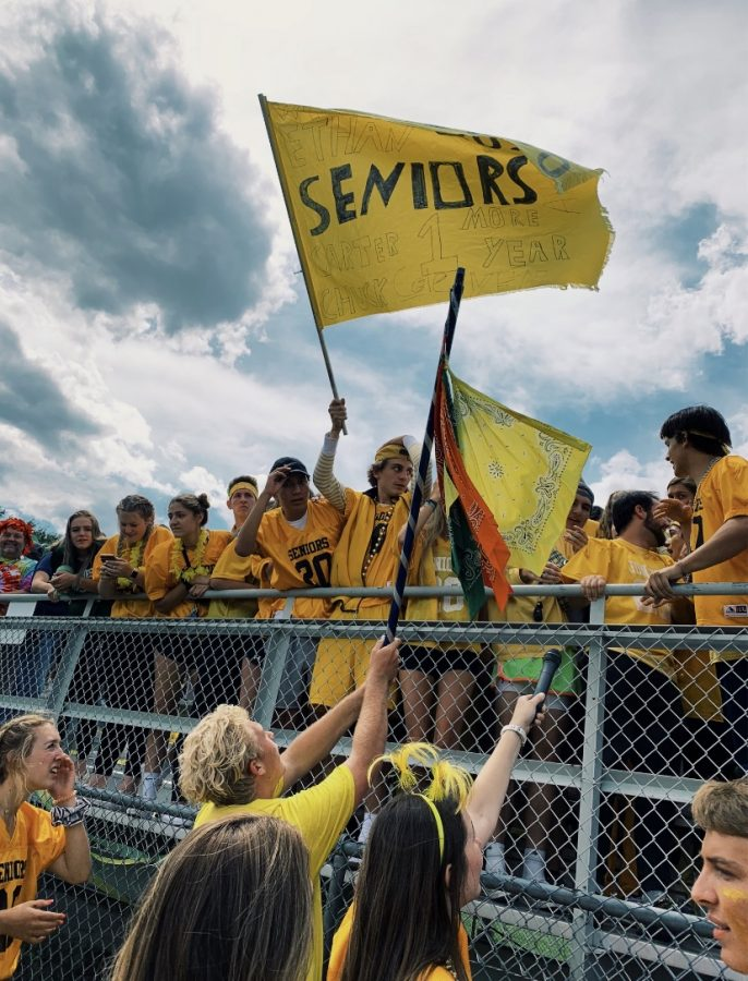 The senior class proudly wears yellow at the class color assembly.