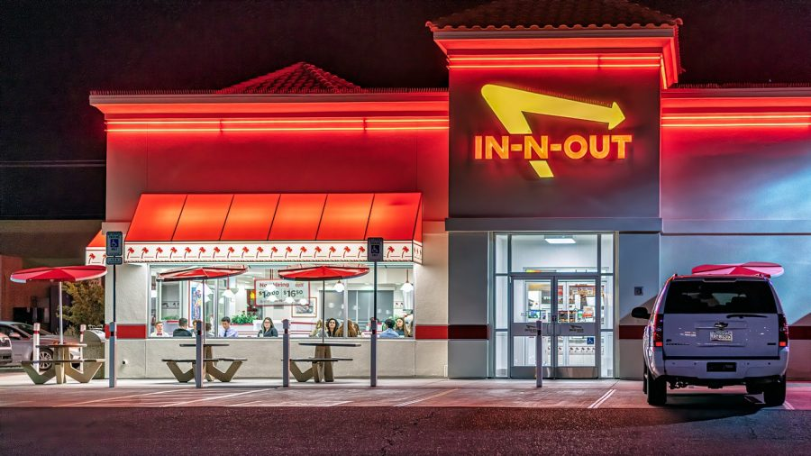 In-N-Out+at+night.+%0ALabled+for+reuse+by+creative+common